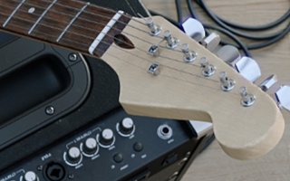 Pavel Zoch pzdm - Eletric guitar and amplifier
